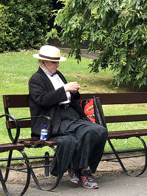 lady on the bench in the park